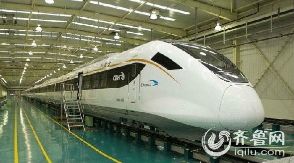 当日,青(青岛)烟(烟台)威(威海)荣(荣成)城际铁路继续进行动车试跑.