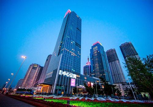 位于香港中路和山东路交界的中铁·青岛中心正式开业